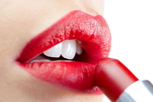 Applying Lipstick, Makeup Tips, Lifestyle, Kiss Proof Lipstick