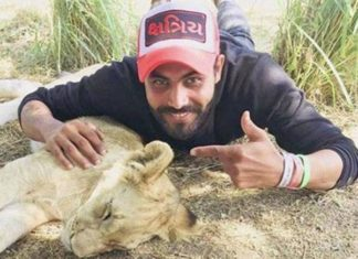 Jadeja Having fun in South Africa, India Vs South Africa, Selfie With Lion