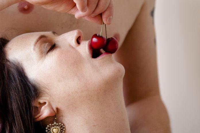 Tantra-Massage-Training-cherries