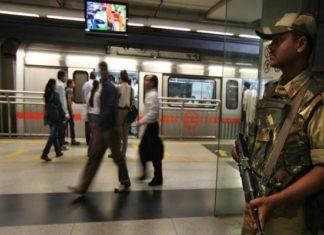Metro Station, Dhaula Kuaan, CISF, Drunk Woman