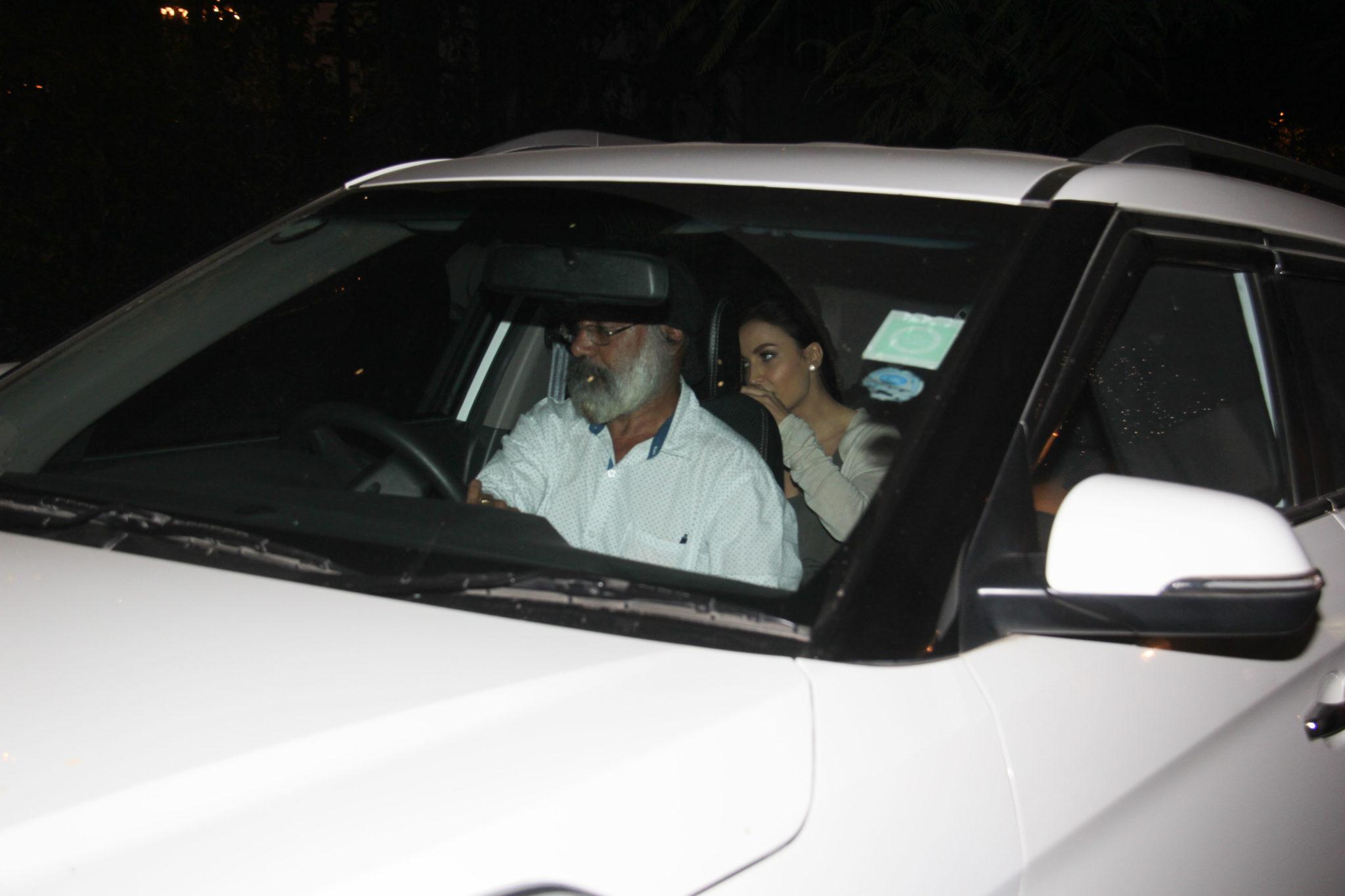 Indian Cricketer,Hardik Pandya,Bollywood Actress,Eli Avram,Boyfriend,Girlfriend
