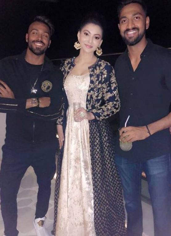 hardik-pandya-is-dating-urvashi-rautela-twist-elli-avrram