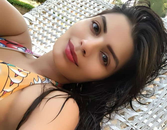 Television Actress,Sonali Raut,Bigg Boss Contestant,Hot Pictures,Instagram
