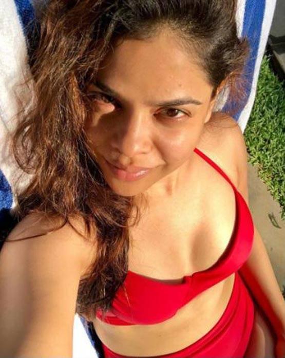 Television Actress,Sumona Chakravarti,Bold Photoshoot