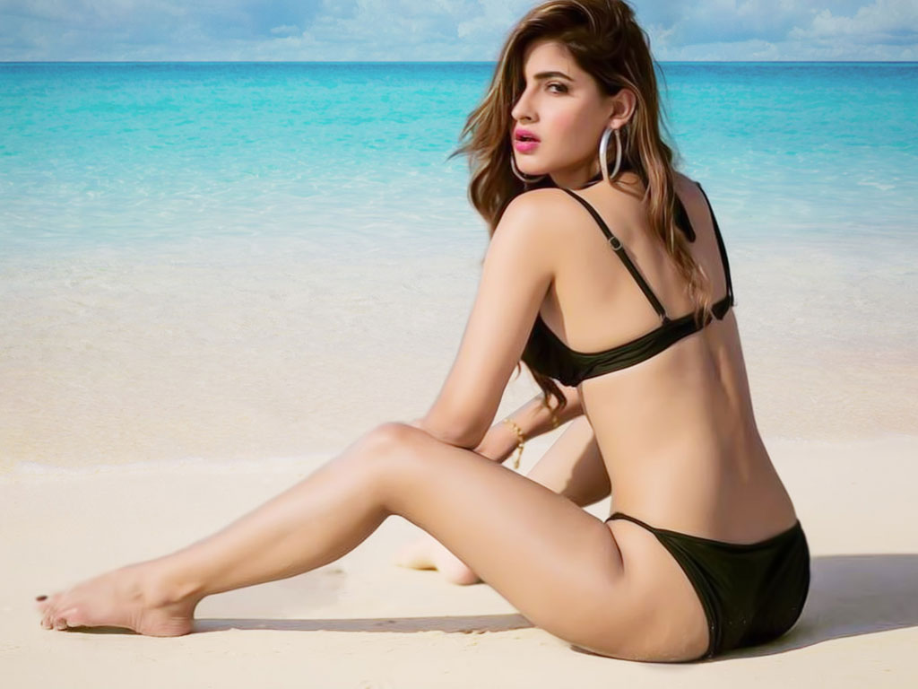 Bollywood Actress,Karishma Sharma,Bold Photoshoot
