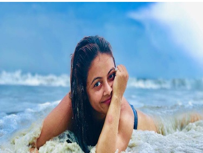Television Actress,Devoleena Bhattacharjee,Bikini Pictures