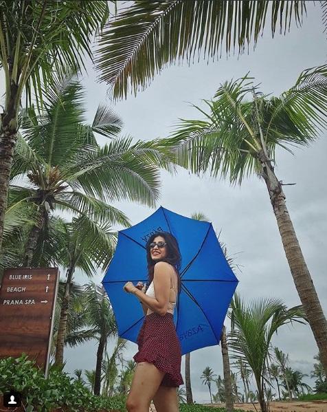 Television Actress,Kishwar Merchant,Share Bold Pic,Instagram,Bikini Picture