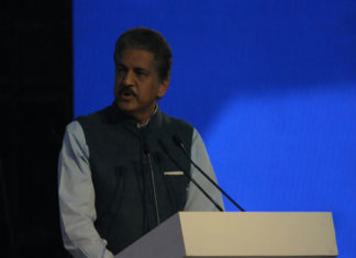 UP Investors Summit 2018, Anand Mahindra, Investment in UP, Resort in Varanasi