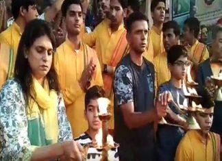 Uttarakhand, Rishikesh, Rahul Dravid, Ganga Aarti include