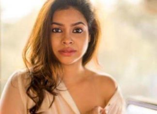 Television Actress,Sumona Chakravarti,Bold Photoshoot