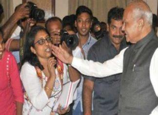 Tamil Nadu Governor, Banwarilal Purohit, women journalist, tweet, DMK, Kanimozhi