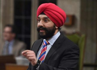 Canada, Sikh Minister, Insult, US airport,turban