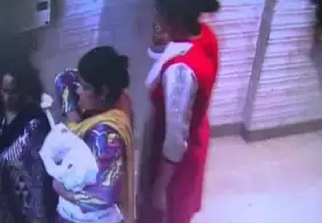 Kanpur, clothes shop, parcel of suits, vicious women, CCTV footage